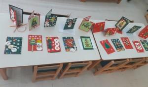 Χριστουγεννιάτικες ευχετήριες κάρτες που φιλοτέχνησαν οι μαθητές σε συνεργασία με τους γονείς τους.